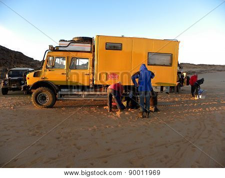 fault to trucks in the Algerian desert