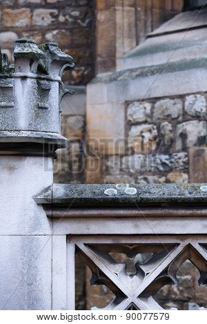 The Geometry Of The Fragments Of The Walls Of The Tower Of London