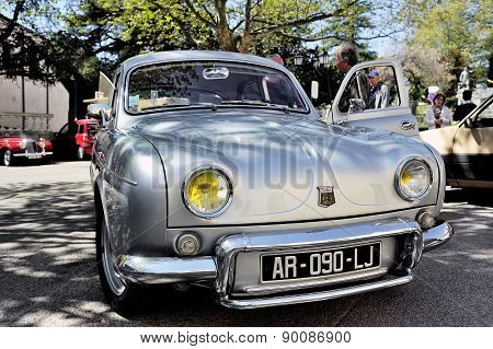 Renault Dauphine Gordini gray