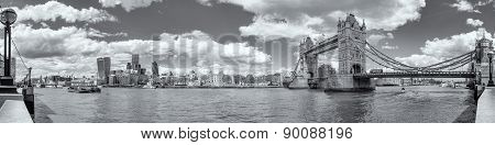 B&w Panoramic View Of Tower Bridge And Tower Of London