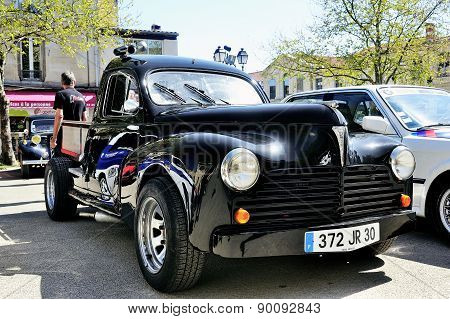 Old Peugeot 403 Renovated And Modified