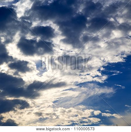 In Busto   Varese Abstract   Ckoudy Sky And Sun Beam