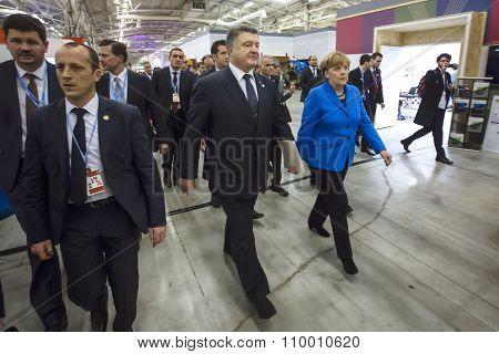 Petro Poroshenko And Angela Merkel