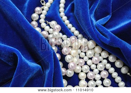The Pearl Necklace.