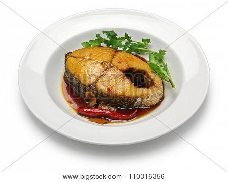 ca thu kho, king mackerel simmered in caramelized sauce, vietnamese cuisine