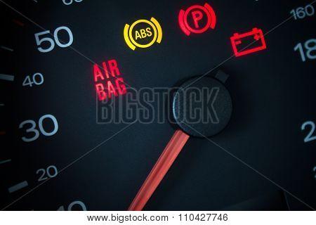 Airbag warning light.