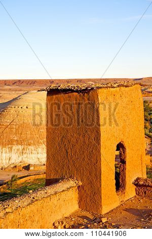 Season  Africa In Morocco   And The Historical