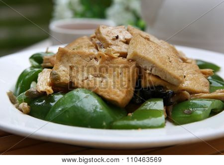 Chinese cooking fried tofu