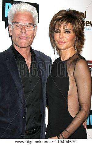 LOS ANGELES - DEC 3:  Harry Hamlin, Lisa Rinna at theThe Real Housewives of Beverly Hills Premiere Red Carpet 2015 at the W Hotel Hollywood on December 3, 2015 in Los Angeles, CA