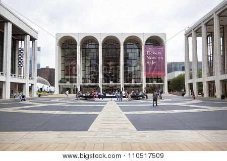 New York City, 12 September 2015: People Walk Near Metropolitan Opera At Lincoln Centre In New York