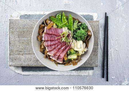 Tuna Tataki with Rice Noodles and Vegetable