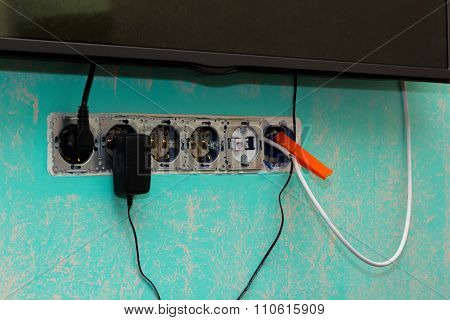 Repair Of Antenna Cable Using Kitchen Clamp