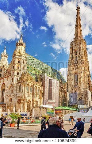 Vienna, Austria-september 10, 2015 : Facade Of St. Stephen's , People (cathedral (more Commonly Know