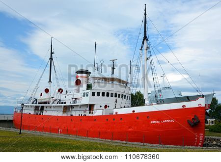 The CCGS Ernest Lapointe icebreaker,