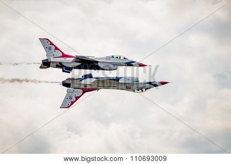 Usaf Thunderbirds Reflection Formation