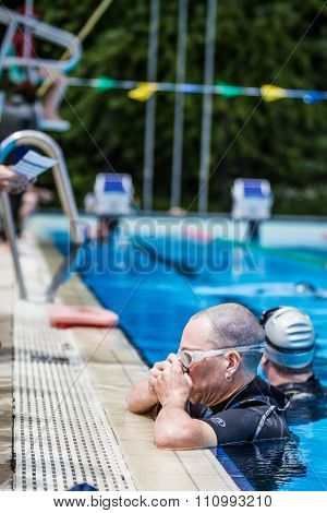 Freediver Placing Nose Clip For Static Performance