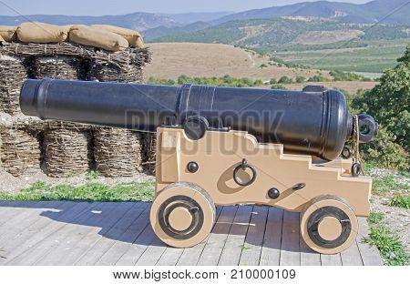 imitation old military coastal position of ship gun