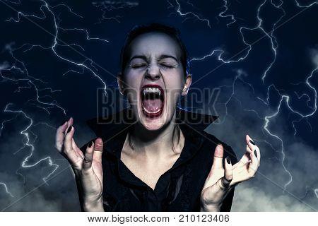 Vampire werewolf screaming Halloween full moon Monster - Fictional Character