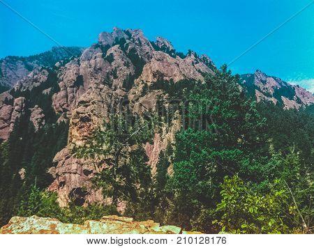 Craggy cliff wall outside of Boulder Colorado
