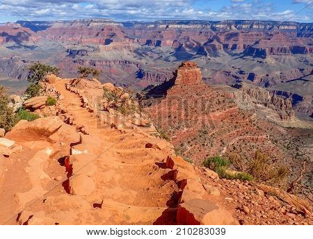 South Kaibab Trail Descends Into Grand Canyon
