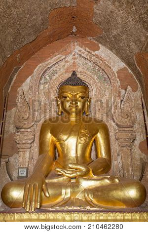 Buddha statue at Izza Gaw Na Temple, Bagan, Myanmar