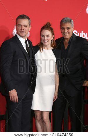 LOS ANGELES - OCT 22:  Matt Damon, Julianne Moore, George Clooney at the