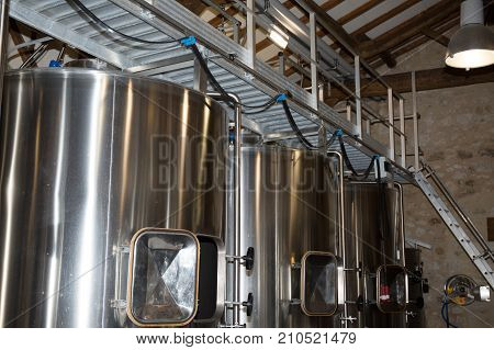 Wine Cellar Made Of Stainless Steel Tank Modern Commercial Wine Making
