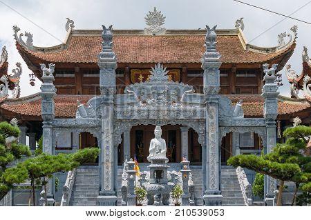 Bao An Thien Tu Pagoda Temple Near Fansipan Mountain