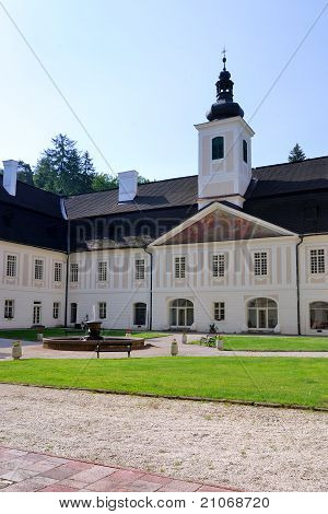 Mansion in Saint Anton hunting with exposure