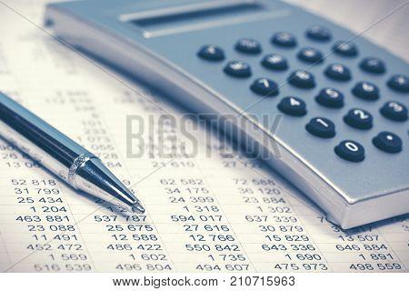 Financial accounting. Balance sheet and calculator