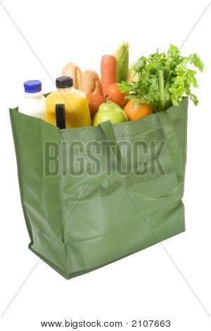 Bolso reutilizable lleno de comestibles
