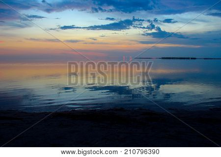 Image of the sky's afterglow during sunset at the beach.