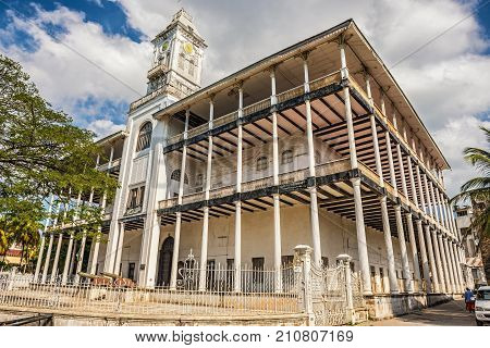 STONE TOWN, ZANZIBAR - OCTOBER 24, 2014: House of Wonders or Palace of Wonders in Stone Town housing the Museum of History and Culture of Zanzibar and the Swahili Coast.