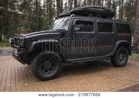 Black Hummer H2 Car, Close Up