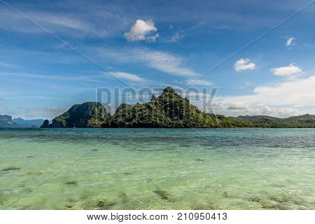 Scenic View Of The Wild Landscape From The Sandbar Of Snake Island In El Nido, Palawan.