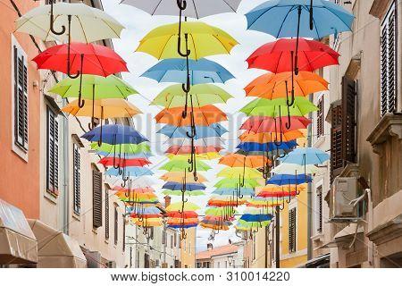 Novigrad, Istria, Croatia, Europe - Picturesque Colorful Umbrellas In The Alleyways Of Novigrad