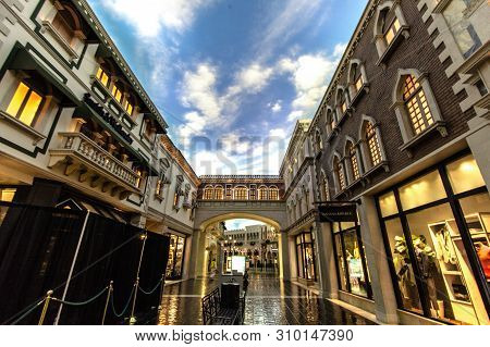 Las Vegas, Nevada, Usa - May 6, 2019: Interior Of The Famous Venetian Grand Canal Shoppes In Las Veg