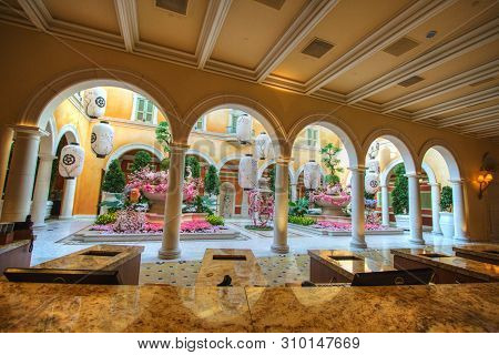 Las Vegas, Nevada, Usa - May 6, 2019: Spring Floral Display At The Bellagio Casino And Resort Conser