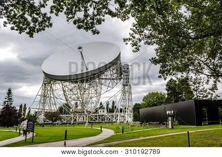Jodrell Bank Radio Telescope Cheshire England. 16 September 2015.  Jodrell Bank Radio Telescope Bega
