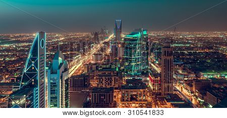 Saudi Arabia Riyadh Landscape At Night - Riyadh Tower Kingdom Centre - Kingdom Tower - Riyadh Skylin
