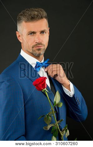Valentines Day And Anniversary. Dating Services. How To Be Romantic. Perfectionist Concept. Romantic
