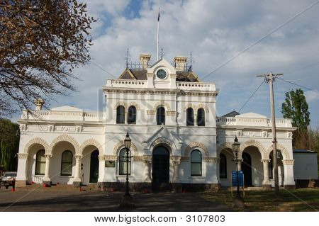 Clunes Victoria Town Hall