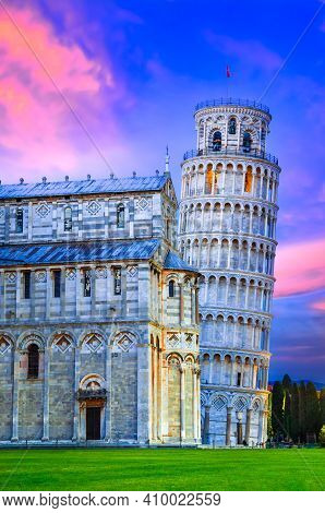 Pisa, Italy - Campo Dei Miracoli And Pisa's World Famous Leaning Tower And Duomo, Built In Medieval