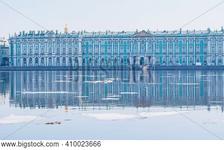 St Petersburg, Russia - April 5, 2019. Winter Palace Or Hermitage Museum And The Palace Embankment O