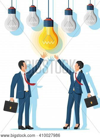 Business People Creates New Idea. Concept Of Creative Idea Or Inspiration, Business Start Up. Brains