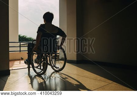 People With Disabilities Can Access Anywhere In Public Place With Wheelchair,that Make Them Independ