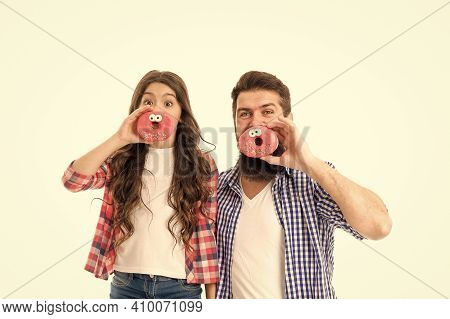 Dessert You Can Trust. Happy Family Eat Fun Donuts. Father And Daughter Enjoy Dessert. Bearded Man A