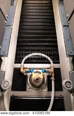 Metal Construction Of Glass Cut And Polished Machine