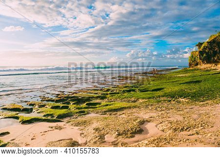 Beach With Reef At Low Tide And Ocean Waves In Bali, Dreamland