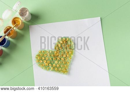 Diy And Kids Creativity Step By Step Instruction: Drawing Greeting Card Using Bubble Wrap. Step3 Pai
